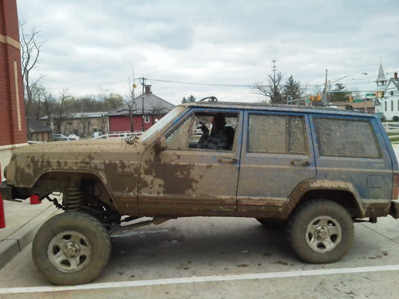 Squatted Trucks The Pub Comanche Club Forums