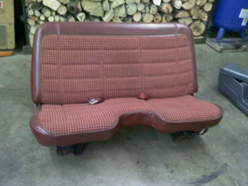 red bench seat and center console for sale comanche club forums. Black Bedroom Furniture Sets. Home Design Ideas