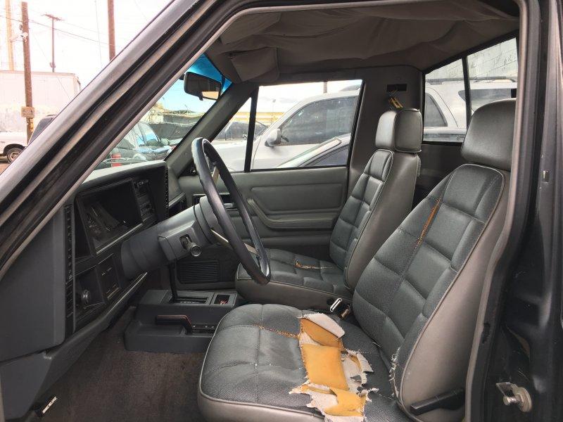 seats.jpg.619c82b705f91d5f8073aef2472c598c.jpg
