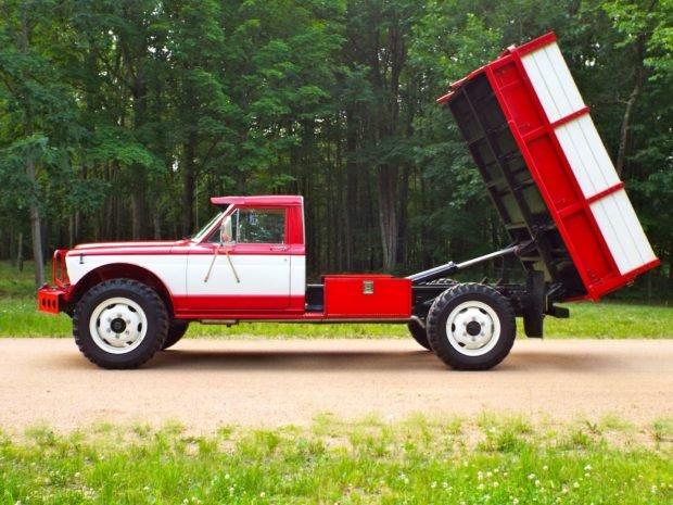 1968_jeep_m715_custom_15627872527dff9f98764dalft-620x465.jpg