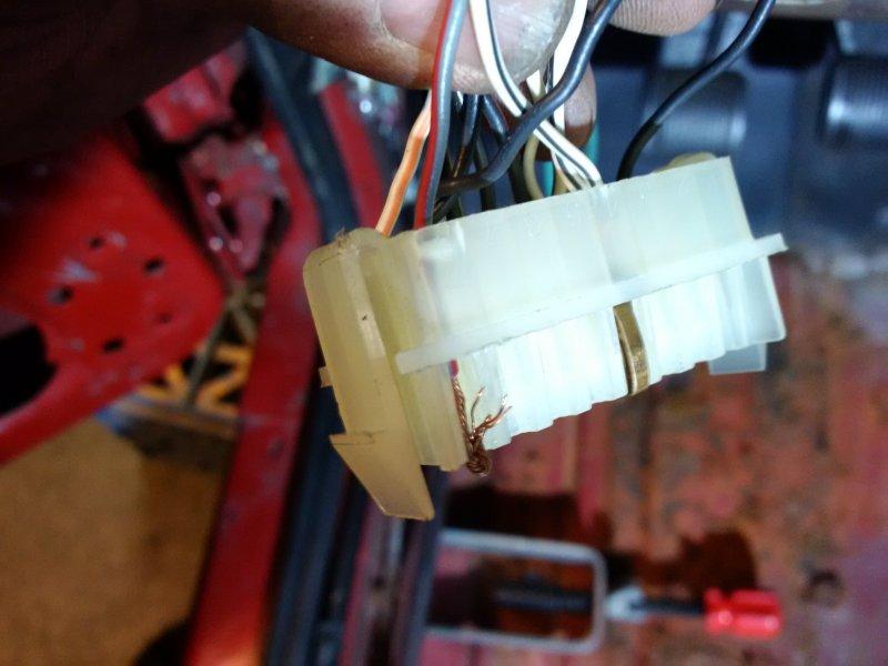 65406429_HarnessInstrumentPanel-IndicatorPanelConnectorC204-Pin8GreywRD.jpg.aa59cc3796a0e0ef93e97e7f4a272ddb.jpg