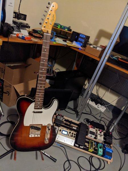 Guitar.jpg.99c9517d93498067fdab4acb23684096.jpg
