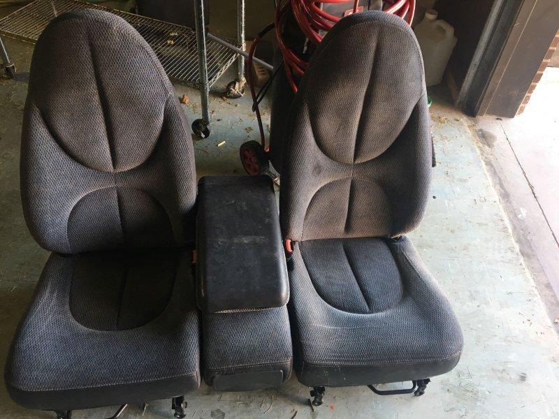 seats.jpg.b613f0b92c7f789aea45233505f308f3.jpg
